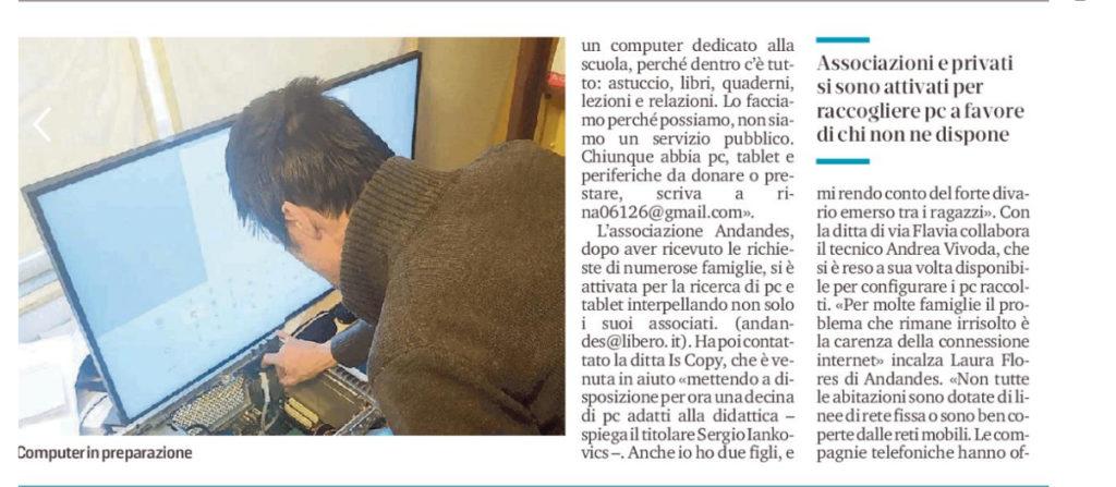 Il nostro tecnico Andrea Vivoda prepara i PC che verranno donati agli studenti bisognosi